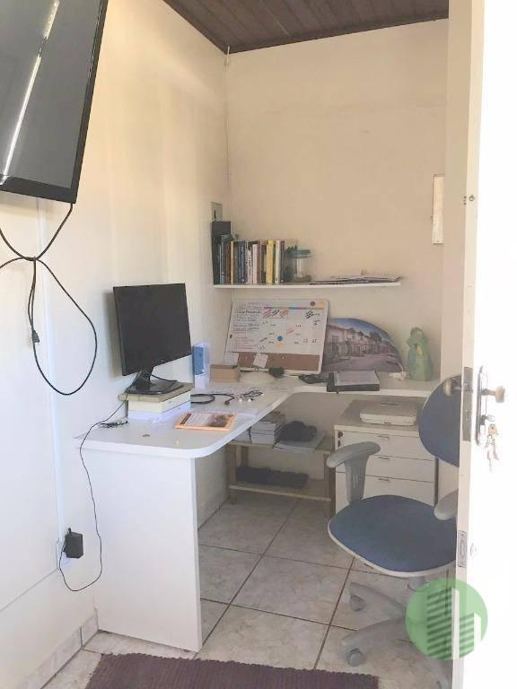 casa perfeita para uma pousada, casa de repouso, empresa, coworking, clínicas, entre outros serviços. ótima localização...