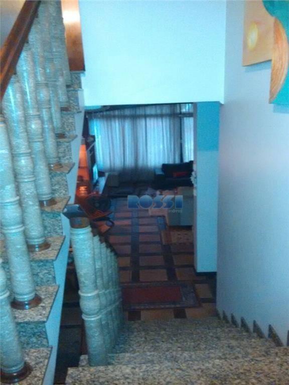 excelente imóvel - 3 pavimentos - boa localização. 3 dormitórios, sendo 1 suíte com closet. 2...