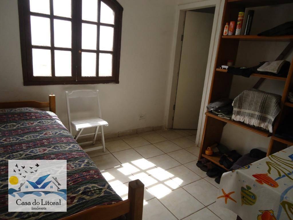 lindo imóvel com 4 dormitórios sendo 2 suítes, banheiro social, sala ampla para dois ambientes, copa,...