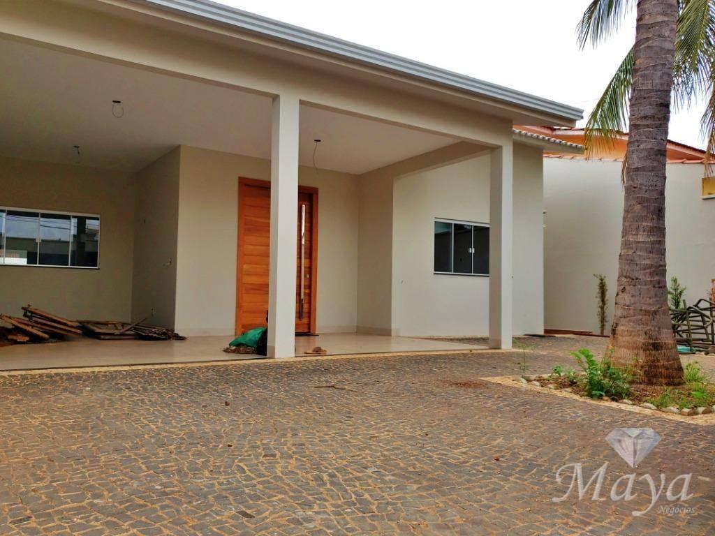 Casa 4 Quartos, sendo 2 suítes, 230 m² c/ lazer na 108 Norte