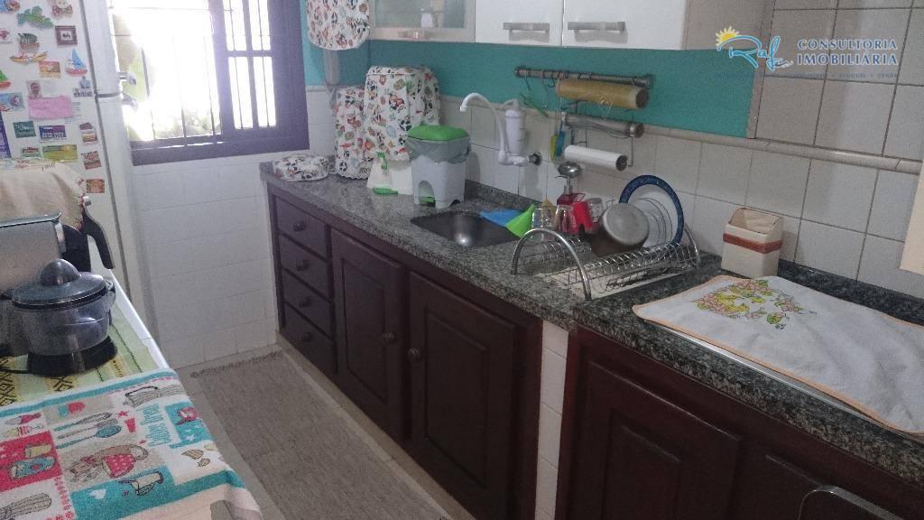 oportunidade!!!venha conhecer essa ótima casa de segunda locação, com 2 dormitórios sendo 1 suíte, área gourmet...
