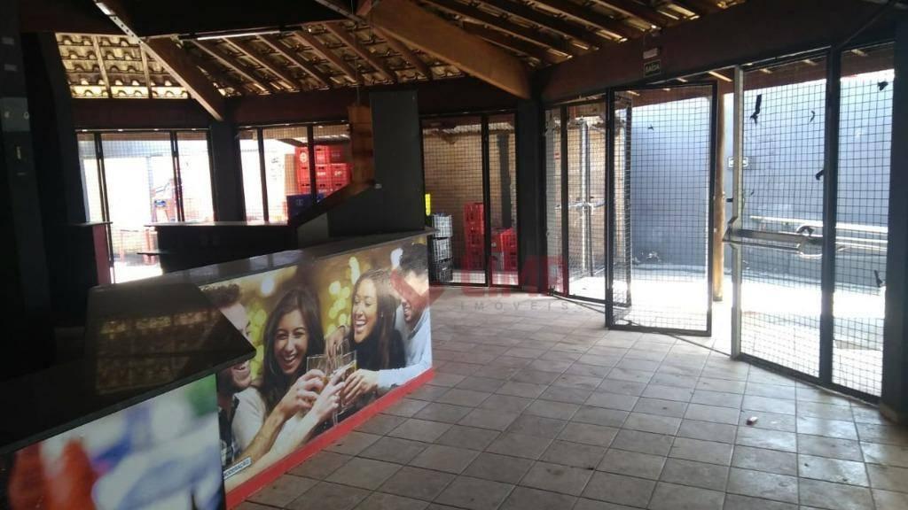 Salão Comercial em frente a Faculdade Unip, ótimo para bares e afins