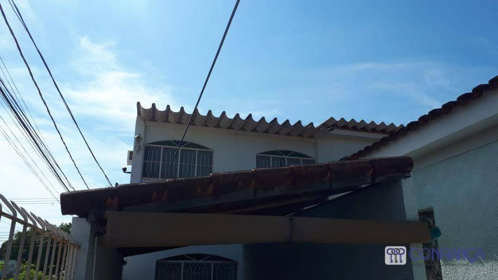 """boa casa toda mobilhada com 3 ar-condicionado e 2 tv""""s, composta da seguinte forma: 1º pavimento,..."""