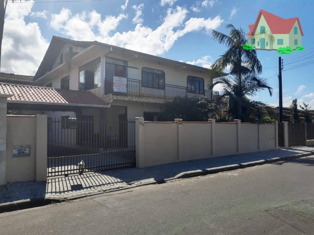 Sobrado à venda  no Aventureiro - Joinville, SC. Imóveis