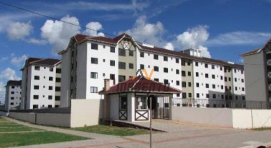 Apartamento com 2 dormitórios à venda, 61 m² por R$ 213.000 - Pioneiros Catarinenses - Cascavel/PR