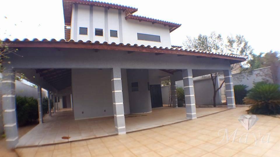 Sobrado 5 Quartos, 378 m² c/ lazer na 205 Sul