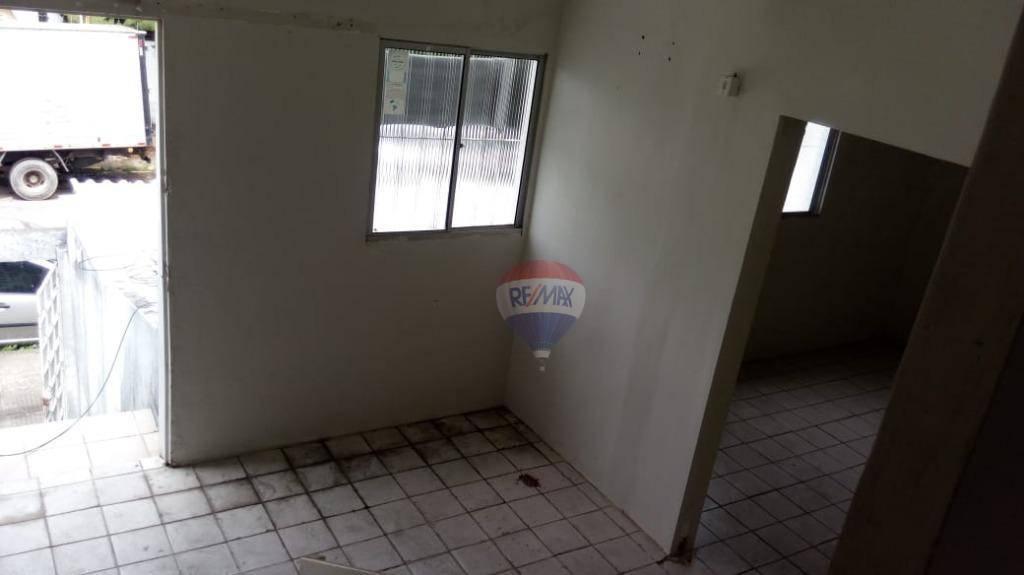 Casa andar superior com 2 quartos próximo a Caxangá e Br 101