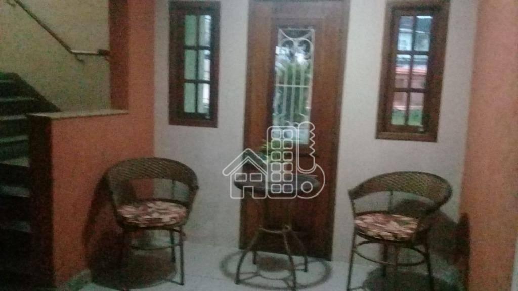 Apartamento com 2 dormitórios à venda, 50 m² por R$ 160.000,00 - Colubande - São Gonçalo/RJ