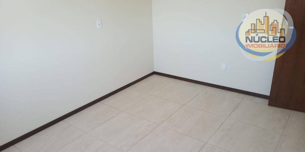 Apartamento com 2 Dormitórios à venda, 65 m² por R$ 179.000,00