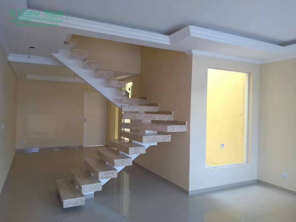 Sobrado residencial à venda, 3 dormitórios, 3 suítes, 4 vagas. Vila Moreira, Guarulhos.
