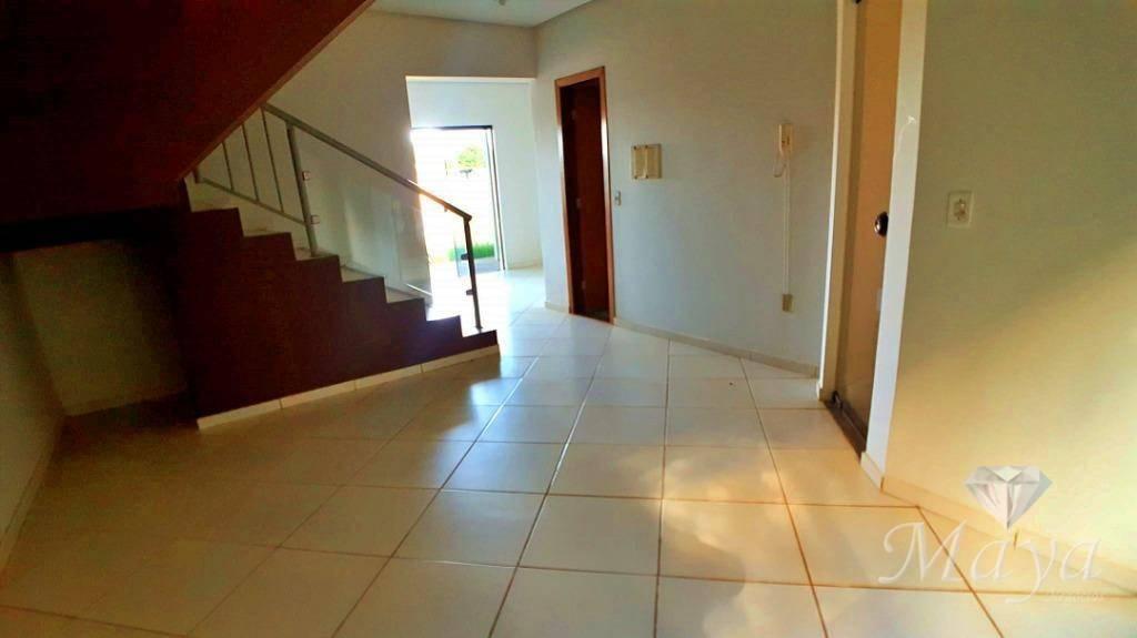 Sobrado 3 Quartos, 123 m² c/ quintal no Condomínio Talismã - 404 Norte