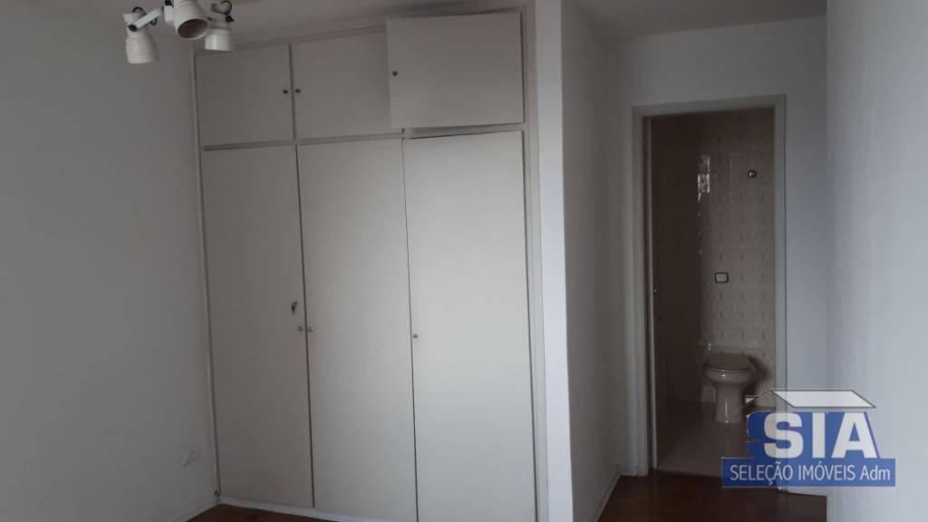 amplo apartamento com 3 dormitórios sendo 1 suíte, sala para 2 ambientes, cozinha , banheiro, quarto...