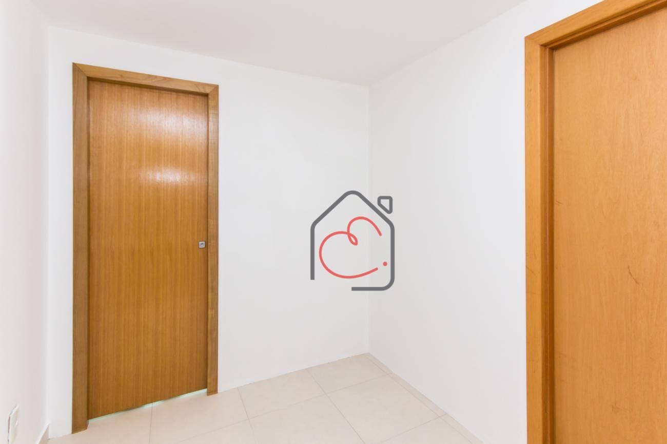 Sala em Cavaleiros  -  Macaé - RJ