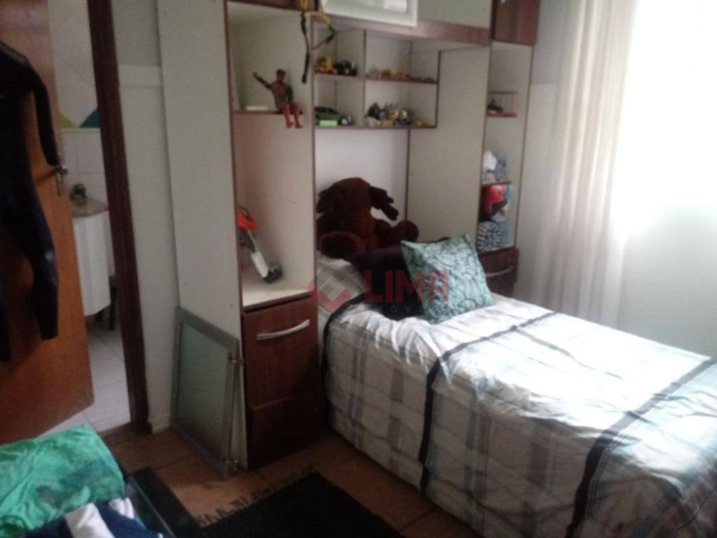 excelente chácara com 4000m² de terreno e 630m² de área construída, casa com diversos dormitórios, salas,...