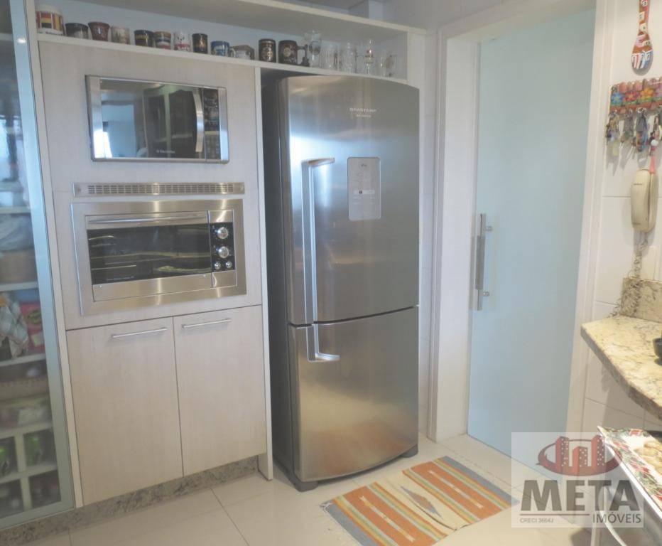 Apartamento com 4 Dormitórios à venda, 160 m² por R$ 820.000,00