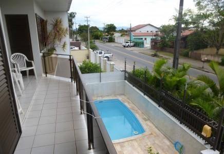 Casa residencial à venda, Centro de Guaratuba.