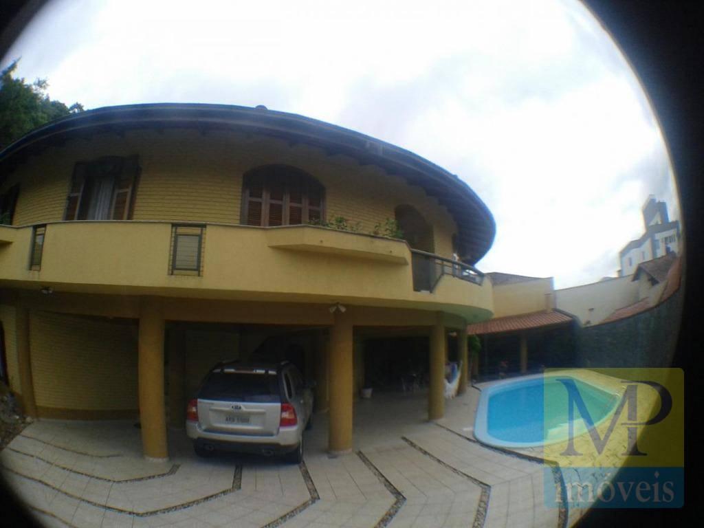 Sobrado com 3 dormitórios à venda, 386 m² por R$ 810.000