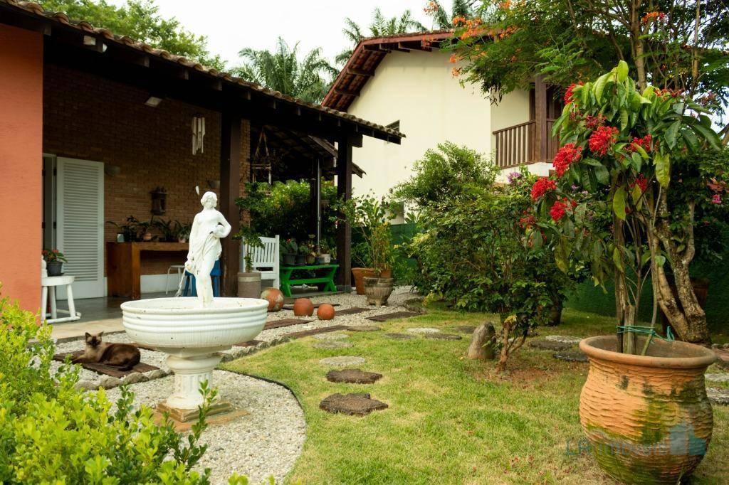 Casa com 3 suítes no Parque Vivamar