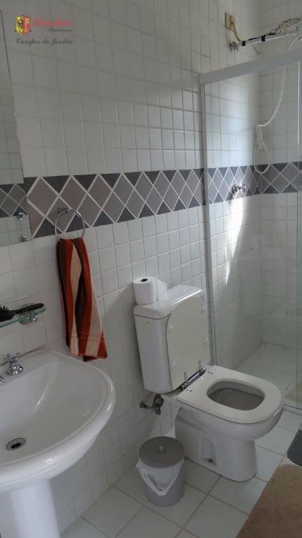 2 suítes sendo uma master , 2 dormitórios , banheiros social , lavabo , sala de...