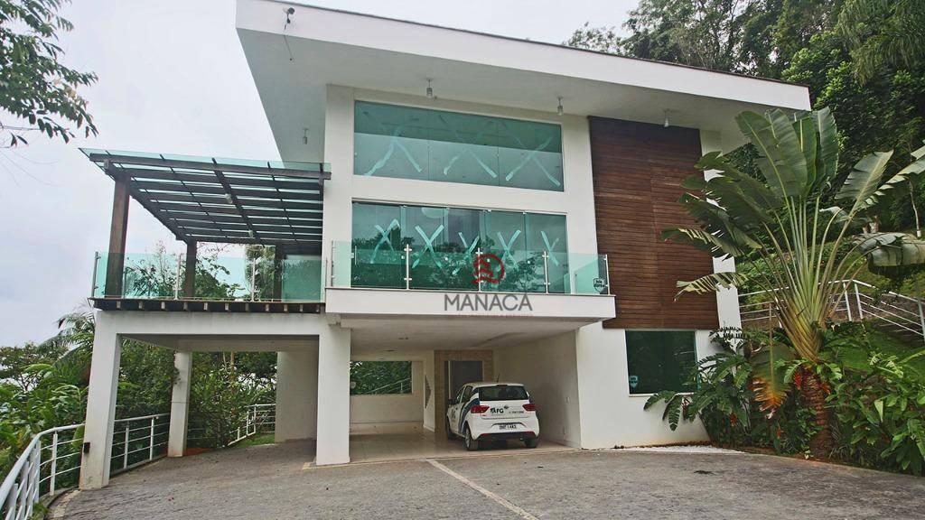 Sobrado com 3 dormitórios à venda, 350 m² por R$ 1.992.000 - Vila Nova - Jaraguá do Sul/SC