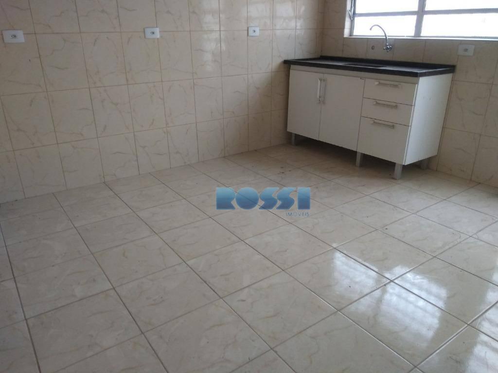 casa assobradada 80m² - nova, a poucos metros da paes de barros.04 salas, cozinha, 02 banheiros,...