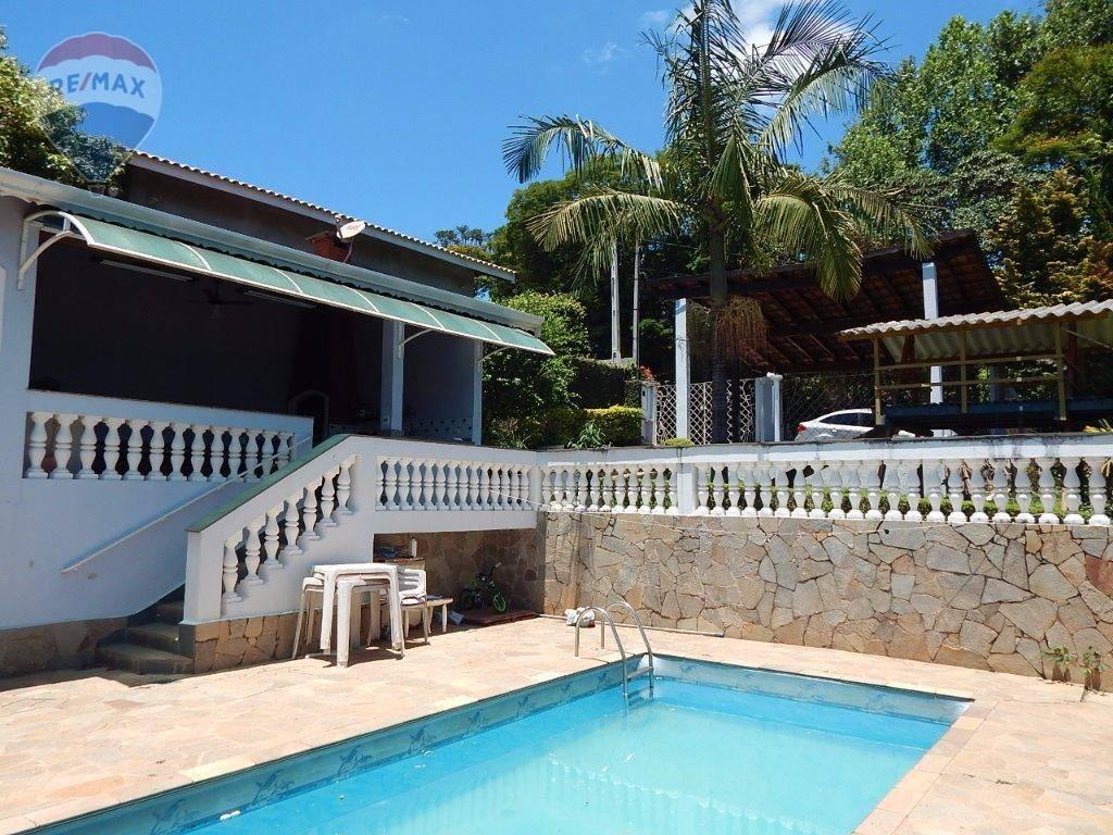Casa à Venda no Retiro das Fontes, Atibaia-SP.