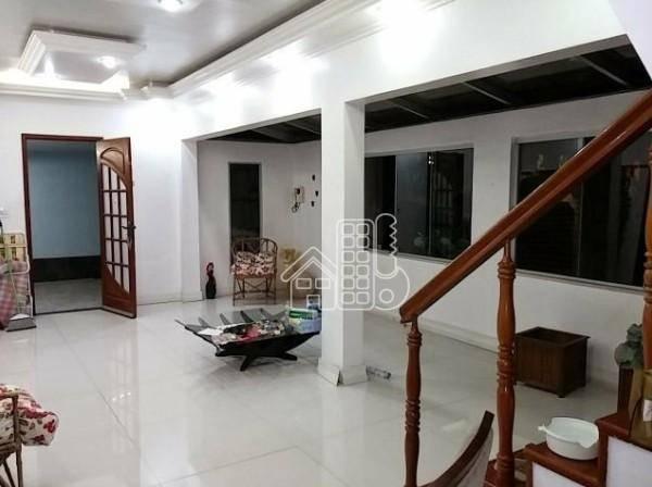 Casa com 4 dormitórios à venda, 152 m² por R$ 500.000 - Rocha - São Gonçalo/RJ