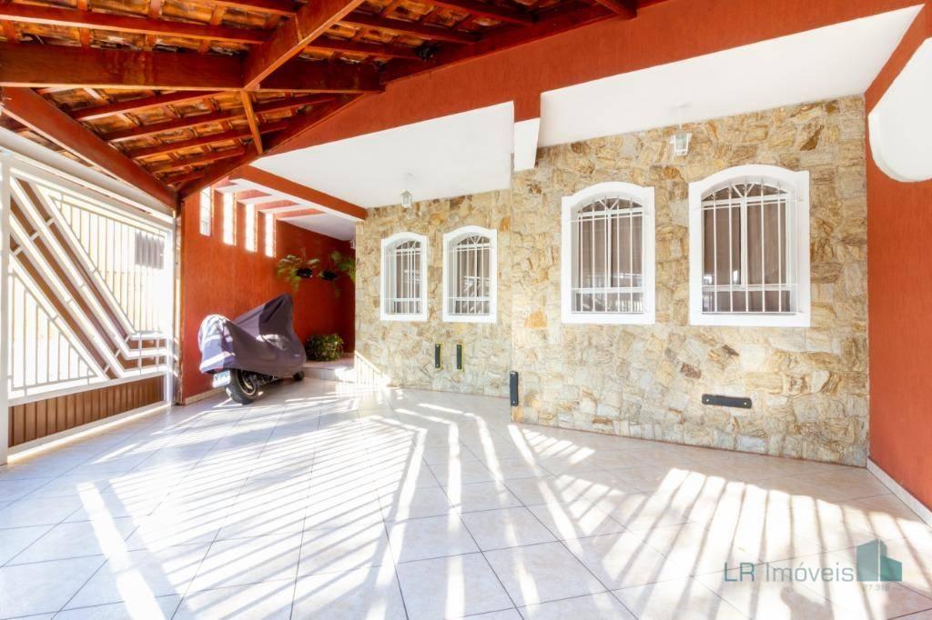 Sobrado com 3 dormitórios para alugar, 177 m² por R$ 2.591,67/mês - Vila Galvão - Guarulhos/SP