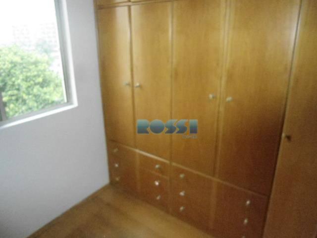 apartamento para locação proximo faculdade são judas. - 03 dormitórios, sendo 01 com armários, sala para...