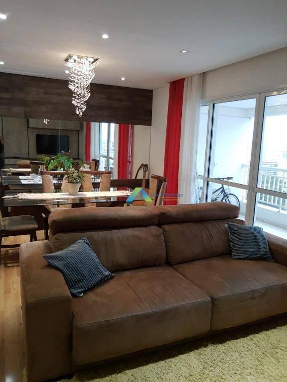 Lindo apartamento 3 dormitórios,2 vagas, todo reformado excelente condomínio com lazer completo fácil acesso a comercio e principais avenidas.