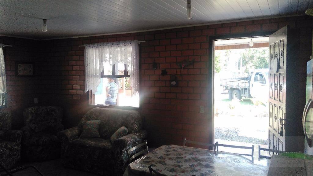 casa de verão no lagoa country club em cidreira, com 3 dormitórios, sala e cozinha conjugados,...
