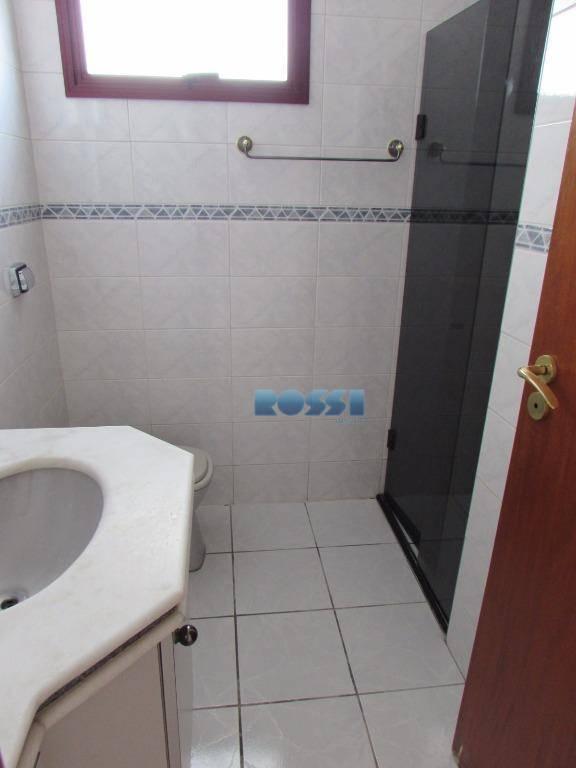 pacote r$ 3.000,00ótimo apartamento 1 por andar - entrada social e serviço. 3 dormitórios, sendo 1...