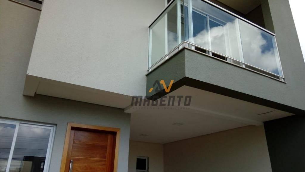 Sobrado com 3 dormitórios à venda, 126 m² por R$ 560.000 - Parque São Paulo - Cascavel/PR