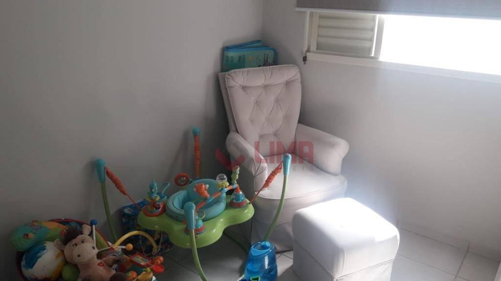 casa excelente, 2 dorms (1 suíte) ambos climatizados, sala de estar/jantar com muita luz natural, cozinha...