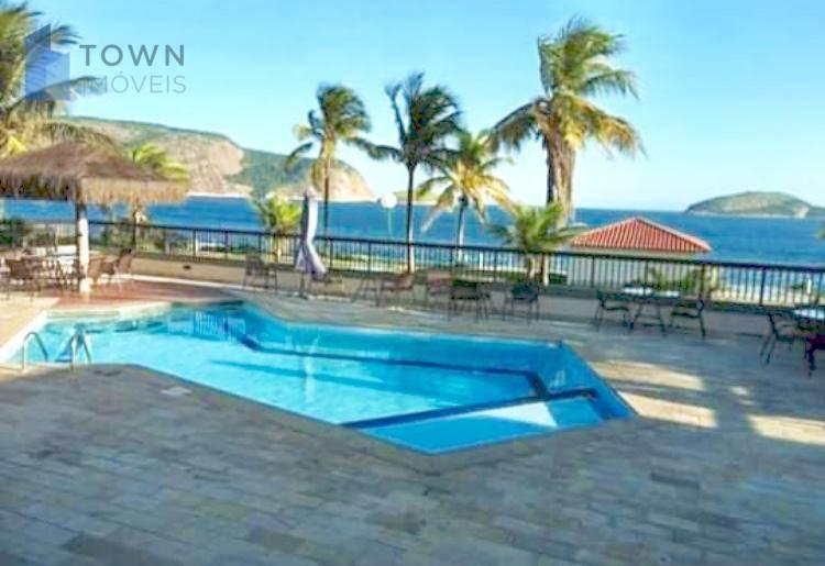 Casa Camboinhas com 3 dormitórios à venda, 236 m² por R$ 999.000 - Camboinhas - Niterói/RJ
