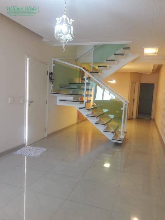 Sobrado em Guarulhoa, 3 dormitórios, Jardim Santa Mena.