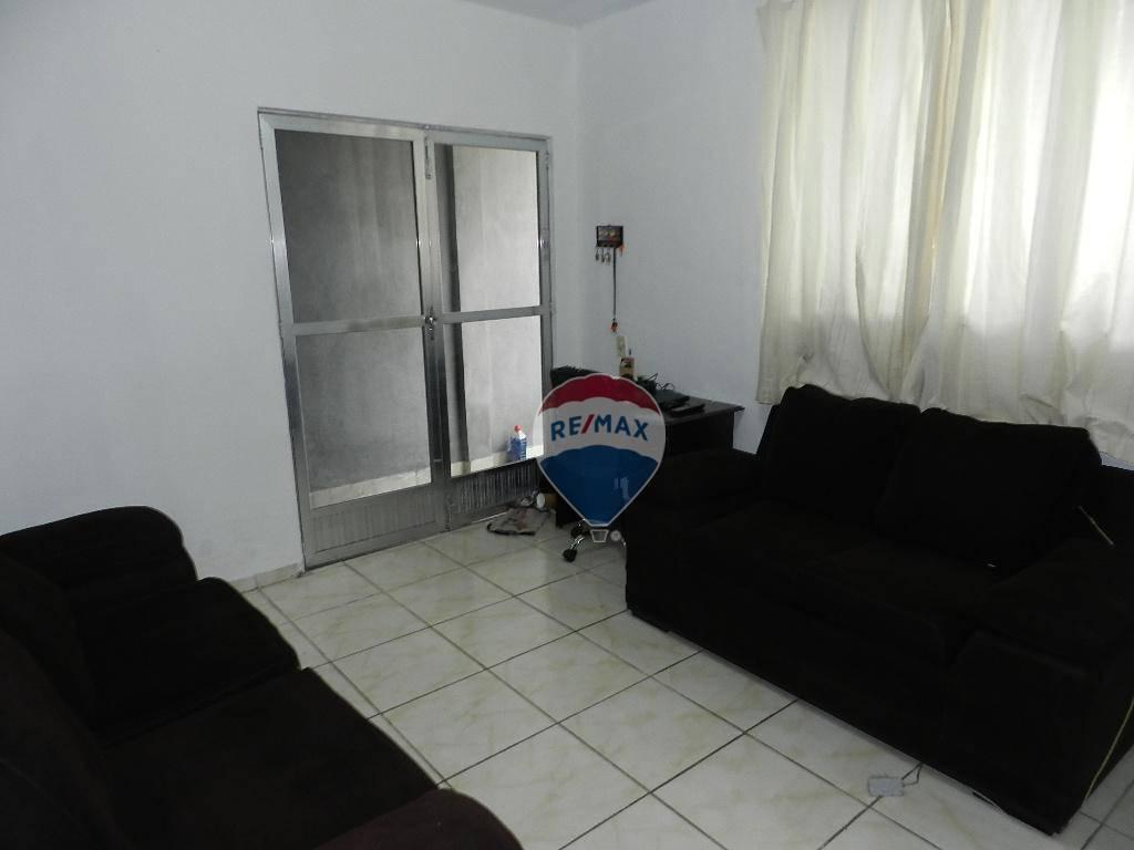 Casa com quartos para Alugar, 115 m²