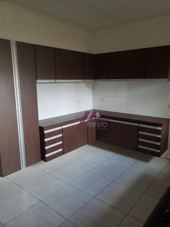 sobrado com 3 dormitorios sendo uma suite banheiro social, jardim de inverno, 1 dormitorio com sacada,...