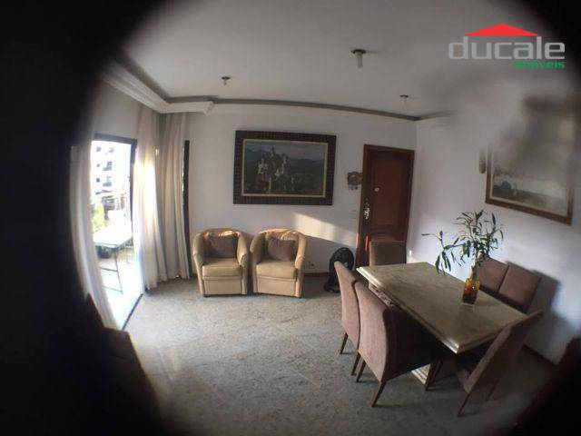 Apartamento com 4 quartos, 1 suite master, 1 suite canadense