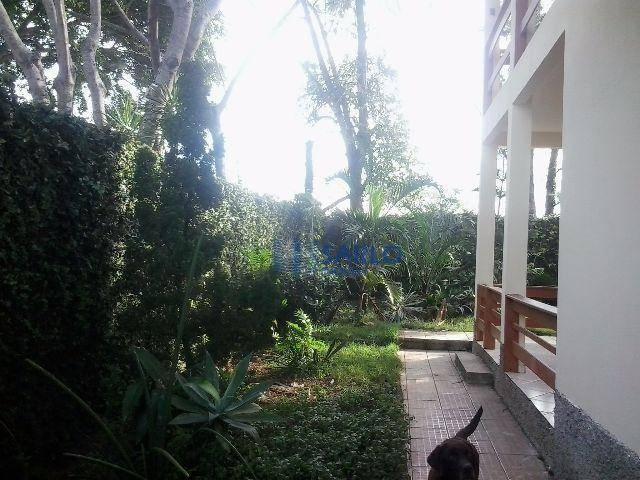 linda casa em manguinhos, na praia da baleia, com 4 quartos sendo 1 suíte, 3 salas,...