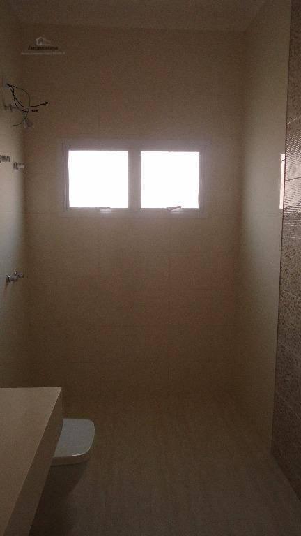 casa nova, térrea. projeto contemporâneo totalmente integrado, ampla sala em 3 ambientes (estar, jantar e tv),...