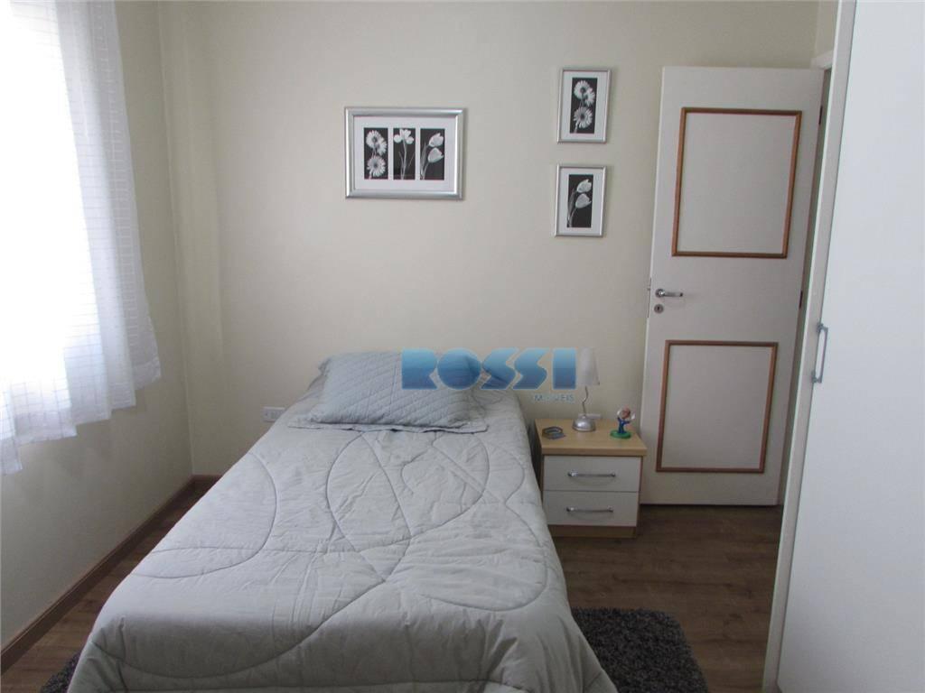 ótimo sobrado.aceita permuta. 3 dormitórios, sendo suítes com armários. 4 wcs.lavabo.hall.sala 2 ambientes.cozinha planejada. lavanderia.2 vagas....