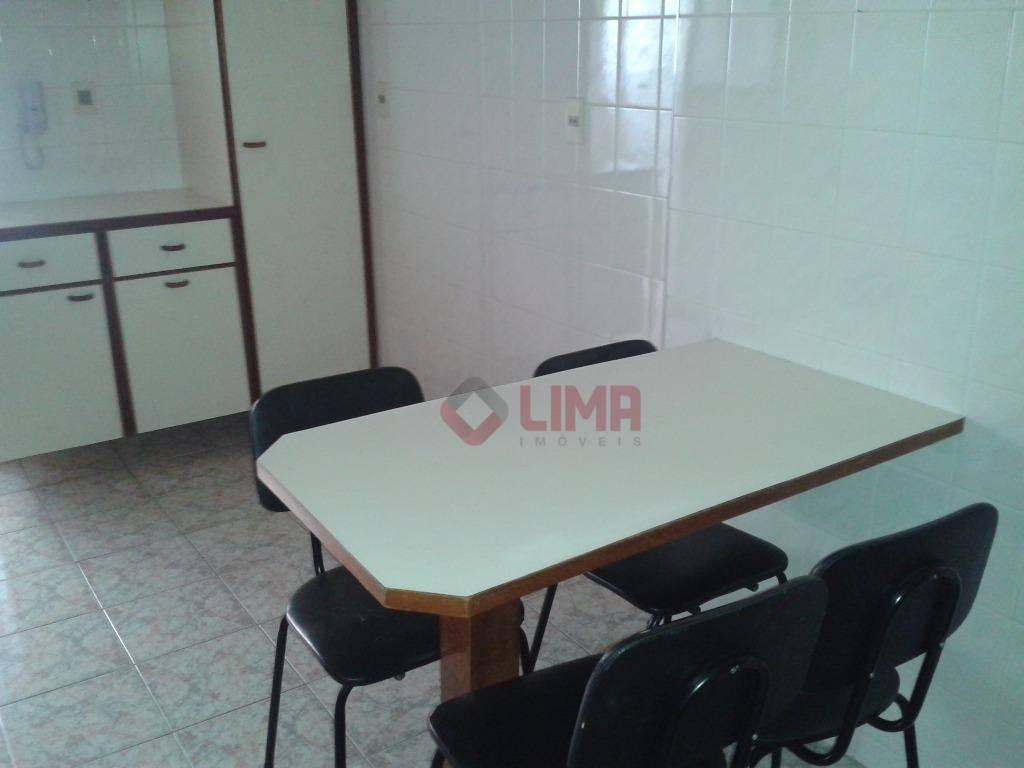 apto de 02 dormitórios (01 suíte), sala 2 ambientes, completo em armários, em área nobre da...