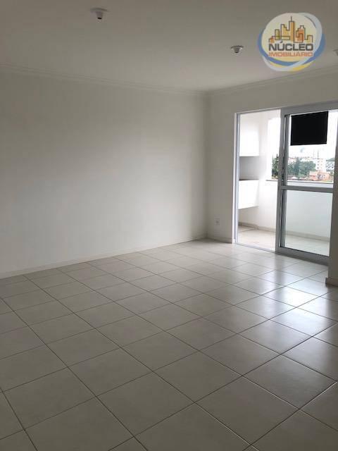 Apartamento com 2 Dormitórios à venda, 69 m² por R$ 255.000,00