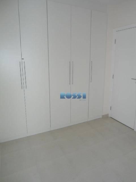 apartamento novo, alto padrão, contendo 3 dormitórios, dois deles planejados, sendo 1 suíte, closet, wc social...
