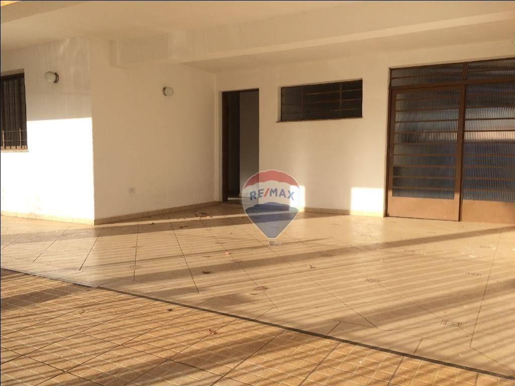 Casa com 3 dormitórios para alugar, 160 m² por R$ 2.200/mês - Centro - Atibaia/SP