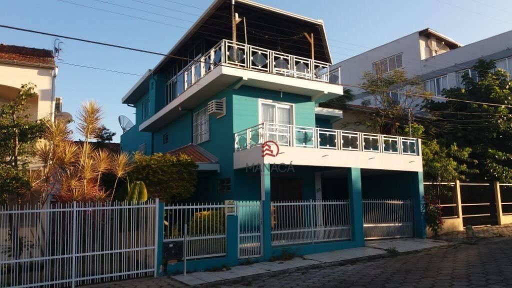 Sobrado com 4 dormitórios à venda, 245 m² por R$ 900.000,00 - Tabuleiro - Barra Velha/SC