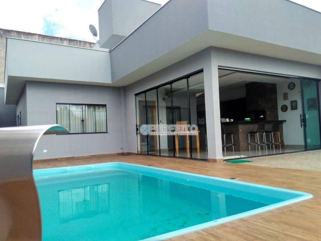 Casa à venda no Centro de Ibiporã com 2 dormitórios, 118 m² por R$ 375.000