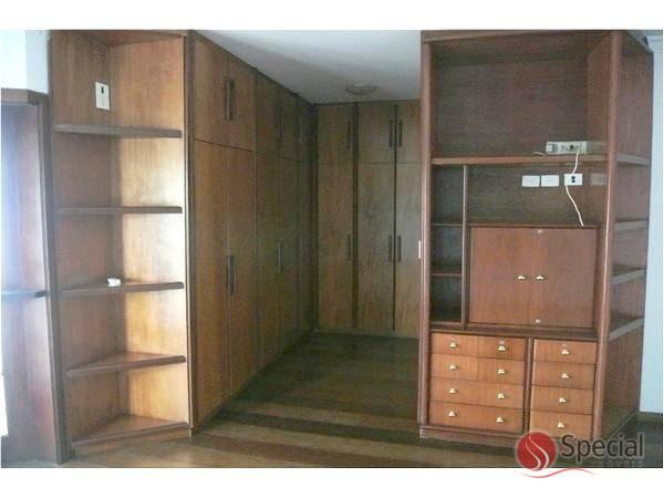 Sobrado de 3 dormitórios à venda em Alphaville, Barueri - SP