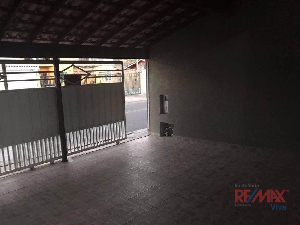 Casa com 2 dormitórios para alugar por R$ 1.350,00/mês - Jardim das Palmeiras - Atibaia/SP